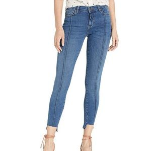 🆕W/T Free People Step Hem Pintuck Skinny Jeans